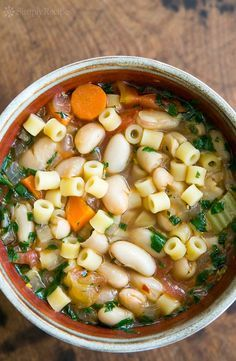 EASY Pasta e fagioli! (pasta fazool) A classic Italian soup of beans and short pasta with tomatoes and vegetables. #Healthy #Dinner #EasyDinner #Soup #Stew #ItalianFood