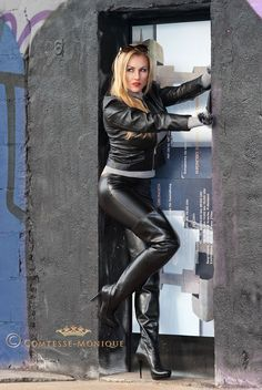 Boot High Leather Thigh Mini Skirt Milf | leather leather skirt lady milf gloves glamour sexy blonde boss boots ...