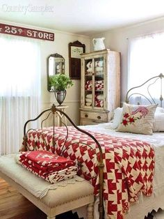 Farmhouse bedroom ideas can help you to experiment and implement in a way that suits your unique style. Household style is one of the sweetest and most interesting as traditionalism that makes every room to be very comfortable. Find ideas and inspiration bedroom bedroom designs from various countries, including colors, decorations and themes. Make your bedroom with a classic and cozy atmosphere. #farmhousebedroom #farmhousebedroomideas #farmhousebedroomdecor