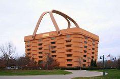 Los dueños de una marca de bolsas de mimbre quisieron ser originales y construyeron la sede de sus o... - Pinterest