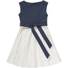 Dieses festliche Kinder Kleid von KÖNIGSMÜHLE in reiner Baumwollqualität besitzt ein Oberteil aus leichtem und festem Material. Der Rockteil ist fein strukturiert und zeigt sich in dezenter Blumenoptik.<br /> <br /> - mit langem Reißverschluss auf der Rückseite <br /> - Bindeband mit Gürtelschlaufen in Hüfthöhe<br /> - Rockteil ist ausgestellt in breiten Falten<br /> <br /> Material: 100% Baumwolle<br /> <br &#x2F...