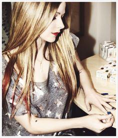 Avril Lavigne ~what a nose!~