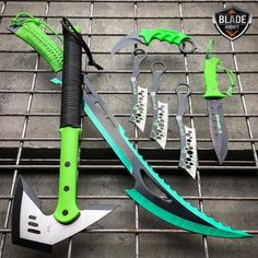 When an Emergency Strikes Disaster Survival Gear Saves Lives – Bulletproof Survival Zombie Apocalypse Weapons, Ninja Weapons, Cool Knives, Knives And Swords, Pretty Knives, Tactical Knives, Tactical Gear, Tactical Survival, Survival Equipment