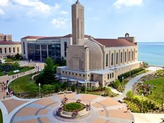 12 Reasons You Should Not Go To Loyola University Chicago Boston University Campus, Loyola University Chicago, Chicago University, College Campus, College Life, Depaul University, University Architecture, My Kind Of Town, Law School