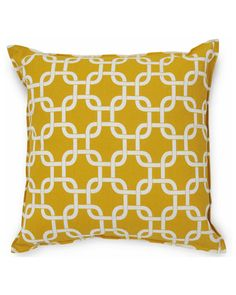 Sentiments 'Gotcha Yellow' Set of 2 Indoor/Outdoor Decorative Pillows