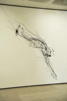 Escultura em arame de David Oliveira                                                                                                                                                                                 Mais