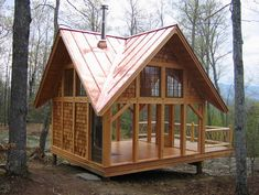 Timber frame tiny house with lots of windows - by Deidraeve - Would make a great Screened Tree House Tiny Cabins, Cabins And Cottages, Tiny House Movement, Exterior Tradicional, Yoga Studio Design, Lots Of Windows, A Frame House, Traditional Exterior, Traditional Sheds