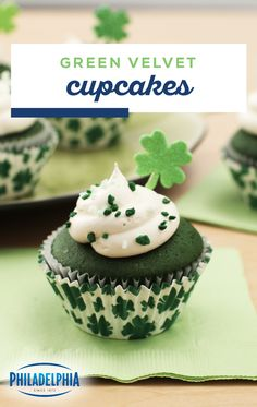 Mar 2020 - Green Velvet Cupcakes – Red velvet cake may be a favorite for any old occasion, but this green velvet dessert is ideal for St. Talk about a fun addition to your Irish-themed celebration. Cupcake Recipes, Cupcake Cakes, Dessert Recipes, Holiday Treats, Holiday Recipes, Just Desserts, Delicious Desserts, St Patrick Day Treats, St Patricks Day Food