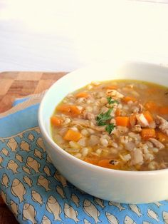 chicken & barley soup « milliemirepoix For those days when your pantry is bare and you're to lazy to go to the store. Great Recipes, Soup Recipes, Favorite Recipes, Interesting Recipes, Yummy Recipes, Recipies, Yummy Food, Crock Pot Cooking, Cooking Recipes