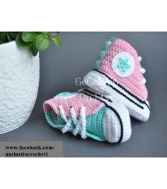 Baby crochet converse, newborn sneakers booties, all star-baby knitting shoes-baby girl-baby boy-gift-pink,green mint color