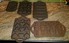 5 Vintage Cast Iron Cornbread Baking Pan Corn  toy soldiers  suites Molds $89.95