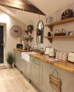 country kitchen ideas Stylish Rustic Kitchen Farmhouse Style Ideas You Must Try Farmhouse Kitchen Decor, Home Decor Kitchen, Kitchen Interior, New Kitchen, Home Kitchens, Farmhouse Ideas, Kitchen Ideas No Window, Farmhouse Kitchen Sinks, Country Kitchen Renovation