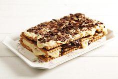 Torta con biscotti secchi e crema pasticcera