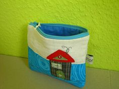 cosmetic bag by monaw2008, via Flickr