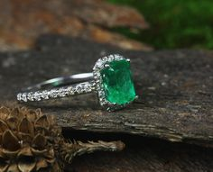 Well hello there beautiful ! Simple a stunning Colombian emerald ring ❤️ emeralds #emerald #emeraldgem #emeraldgemstone #emeraldring #emeraldrings #emeraldjewelery #emeraldnecklace #emeraldsetting #emeraldjeweler #muzoemerald #muzoemeralds #chivoremerald #chivoremeralds #GIAcertified #emeraldpendant #colombianemerald #colombianemeralds #emeraldring #christmasshopping #jewelrystore #jewelryshopping
