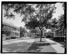 View west of domiciliary buildings (Buildings 2, 1, 3, 4) and Riverview Avenue - National Home for Disabled Volunteer Soldiers Western Branch, 4101 South Fourth Street, Leavenworth, Leavenworth County, KS