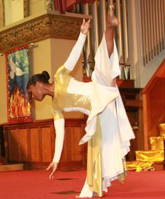 Let them praise His name in the dance. Praise Dance Wear, Worship Dance, Worship The Lord, Praise The Lords, Praise God, Kinds Of Dance, Just Dance, Alvin Ailey, Body Painting