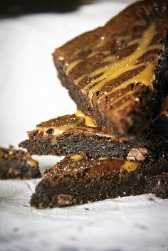 salted-caramel-brownie-1392 by PasstheSushi, via Flickr