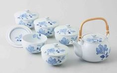 Hasami Porcelain: BLUE FLOWER - Kyusu Tea pot & 5 tea cup Set