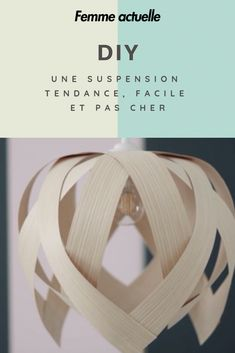 DIY Lampe : une suspension tendance facile et pas cher Diy Luminaire, Diy Porch, Ideas Hogar, Diy Chandelier, Kitchen Chandelier, Boho Diy, Recycled Art, Home Decor Accessories, Diy Home Decor