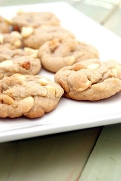 White Chocolate Macadamia Nut Cookies - Recipe @ cookingrecipescorner.blogspot.jp