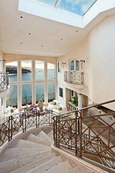 Emerald Bay Oceanfront Italian Villa in Laguna Beach CA