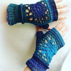 Made to order, yarn #dropsdelight, my own design. #halfgloves #crochet💜 #crochetfingerlessgloves #MianVirkkuut #madetoorder #crochetersofinstagram #handmade