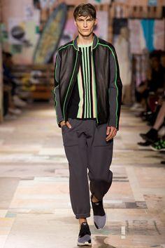 Y-3 Spring 2015 Menswear Fashion Show