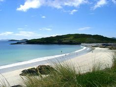 Day 35 - Beach at Derrynane, Ring of Kerry.  Who needs to go to the Caribbean when you can have such blue water & white sand?  :)  Sure it's cold most of the time but so what?