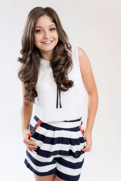 Karol Sevilla is a wonderful girl,a confident person and know-how hov to match it clothes