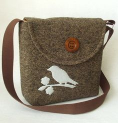 Love this tweed purse...would rather have something else for the applique. Maybe a tree, leaf, or fern.