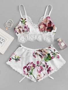 To find out about the Contrast Lace Floral Lingerie Set at SHEIN, part of our latest Sexy Lingerie ready to shop online today! Satin Lingerie, Pretty Lingerie, Beautiful Lingerie, Lingerie Set, Luxury Lingerie, Delicate Lingerie, Belle Lingerie, Designer Lingerie, Luxury Designer