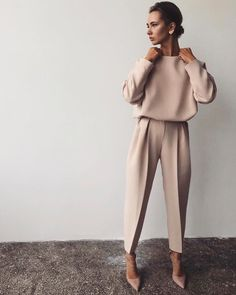 (notitle) - OUTFITS AND STYLES - Outfits 2019 Outfits casual Outfits for moms Outfits for school Outfits for teen girls Outfits for work Outfits with hats Outfits women Fashion Mode, Work Fashion, Trendy Fashion, Winter Fashion, Womens Fashion, Fashion Trends, Workwear Fashion, Fashion Ideas, Fashion Spring