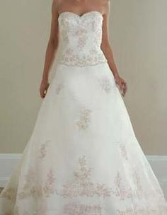 Just look at the top; I like the way the lace shows at the hem of the top.