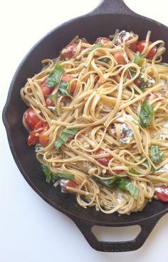 30 Minute Caprese Pasta Skillet: full of fresh summer flavors // A Cedar Spoon