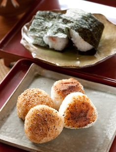 grilled rice balls 焼きおにぎり (link to all kinds of Japanese rice)