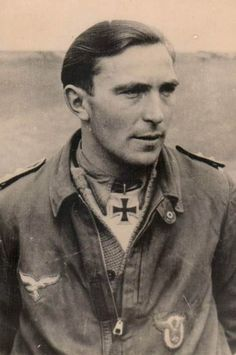 "✠ Edmund ""Paule"" Roßmann was a German World War II fighter ace and was credited with 93 aerial victories achieved iwith 93 aerial victories achieved in 640 combat missions, among the numerous ground attack missions.He is also noted as being an early mentor of Erich Hartmann, history's leading fighter ace. Luftwaffe, German Soldiers Ww2, German Army, Erich Hartmann, Germany Ww2, Supermarine Spitfire, Military Photos, Fighter Pilot, Second World"