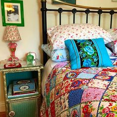 I like the quilt - bright & fun