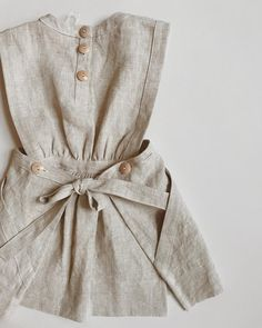 We added a buttonhole to our Maude Pinafore for extended wear and adjustability. its all in the details :) Toddler Fashion, Toddler Outfits, Kids Outfits, Kids Fashion, Little Girl Dresses, Girls Dresses, Hijab Fashionista, Sewing Kids Clothes, Vestidos Vintage