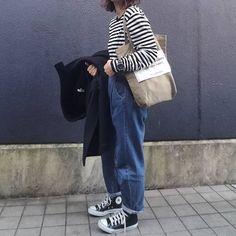 "Reposting @miii.iiiie: ... ""#今日の服#コーデ . . 無意識のやつまた #つま先ぴょん . . コートとトート久々 楽だからガウンコートばっか着ちゃうけどダッフルもやぱ好き . . そして時計早速 @watchmakermilanojp http://watchmakermilano.jp/ . . . #agnesb #dholic #hyke #beautifulpeople #converseallstar ⌚#watchmakermilanojp . ."" Womenswear mode style fashion ootd"