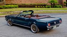 Classic Car News Pics And Videos From Around The World 1966 Mustang Gt, Mustang Cars, Ford Mustangs, Classic Mustang, Ford Classic Cars, Yacht Design, Mercedes Benz, Mustang Interior, Ford Motorsport