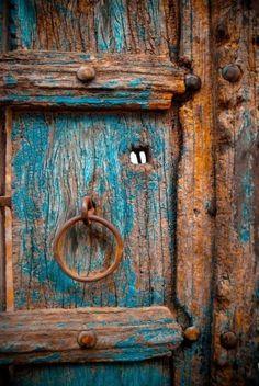 61 ideas old door knobs ideas patinas Cool Doors, The Doors, Windows And Doors, Art Deco Door, Door Knobs And Knockers, Antique Doors, Antique Art, Rustic Doors, Doorway