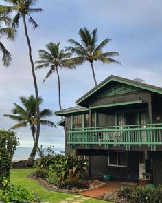 The Bucket List Family Finds A Permanent Home In Hawaii After 3 Years Of Nomadic Travel With Kids Beach Aesthetic, Travel Aesthetic, Hawaii Life, Beach House Hawaii, Houses In Hawaii, Moving To Hawaii, Bucket List Family, Hawaii Homes, Beach Cottages