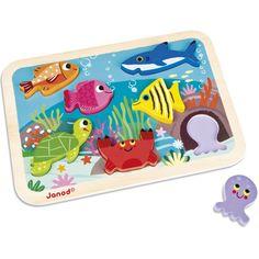 Avec le puzzle à encastrement Chunky Marin de la marque Janod l'enfant s'amusera à positionner les animaux à la bonne place et jouer avec les pièces comme de vraies figurines. Un jeu qui permet de développer la motricité et l'imagination des tout-petits.