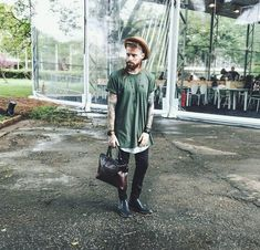 Hats gives you Different outlook Men Street, Street Wear, Hipster Fashion, Mens Fashion, Style Fashion, Moda Hipster, Moda Blog, Masculine Style, Handbags For Men