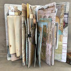 Travel Journal Ideas Diy Smash Book Mini Albums Ideas For 2019 Art Journal Pages, Junk Journal, Journal Covers, Notebook Covers, Journal Paper, Journal Cards, Mini Albums, Mini Scrapbook Albums, Scrapbook Journal
