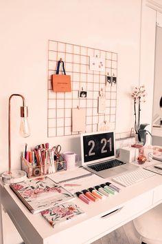 Study Room Decor, Room Ideas Bedroom, Study Rooms, Teen Study Room, Bedroom Study Area, Bedroom Workspace, Study Areas, Study Space, Room Setup