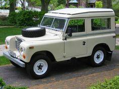 Land Rover 88 Serie III Sw Safari top in classic beige.