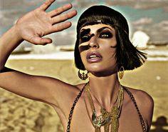 cleopatra comes to the city! Cleopatra, Fashion Foto, Fashion History, Rodney Smith, Egyptian Fashion, Passion Photography, Spanish Fashion, Egyptian Goddess, Egyptian Art