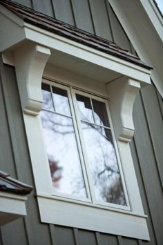 Clever Uses for Corbels {Around the House} little roof awnings over windows.they would really add some much needed character!little roof awnings over windows.they would really add some much needed character! Exterior Tradicional, Design Exterior, Exterior Colors, Traditional Exterior, Craftsman Style, Craftsman Exterior, Craftsman Windows, House Colors, Home Remodeling